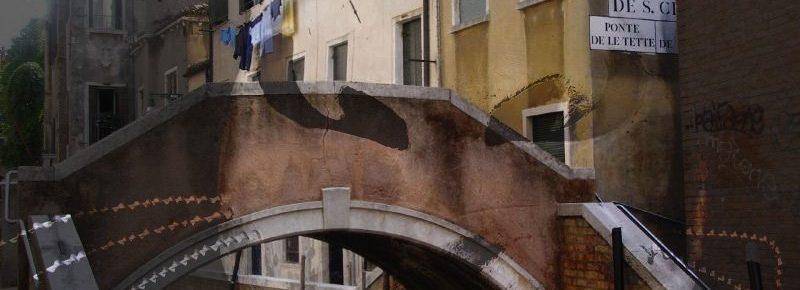 ponte delle tette venetian cat mask, venezia