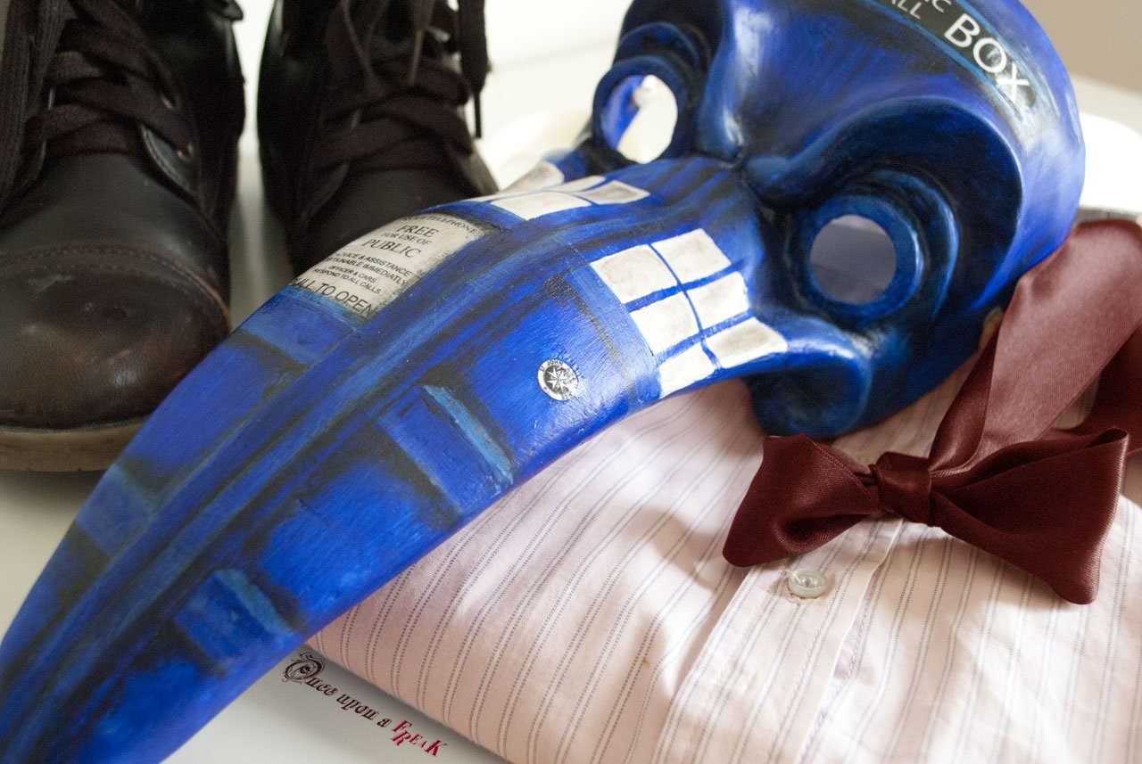 Plague Doctor Who TARDIS. Docotr who shirt, boots and bowtie