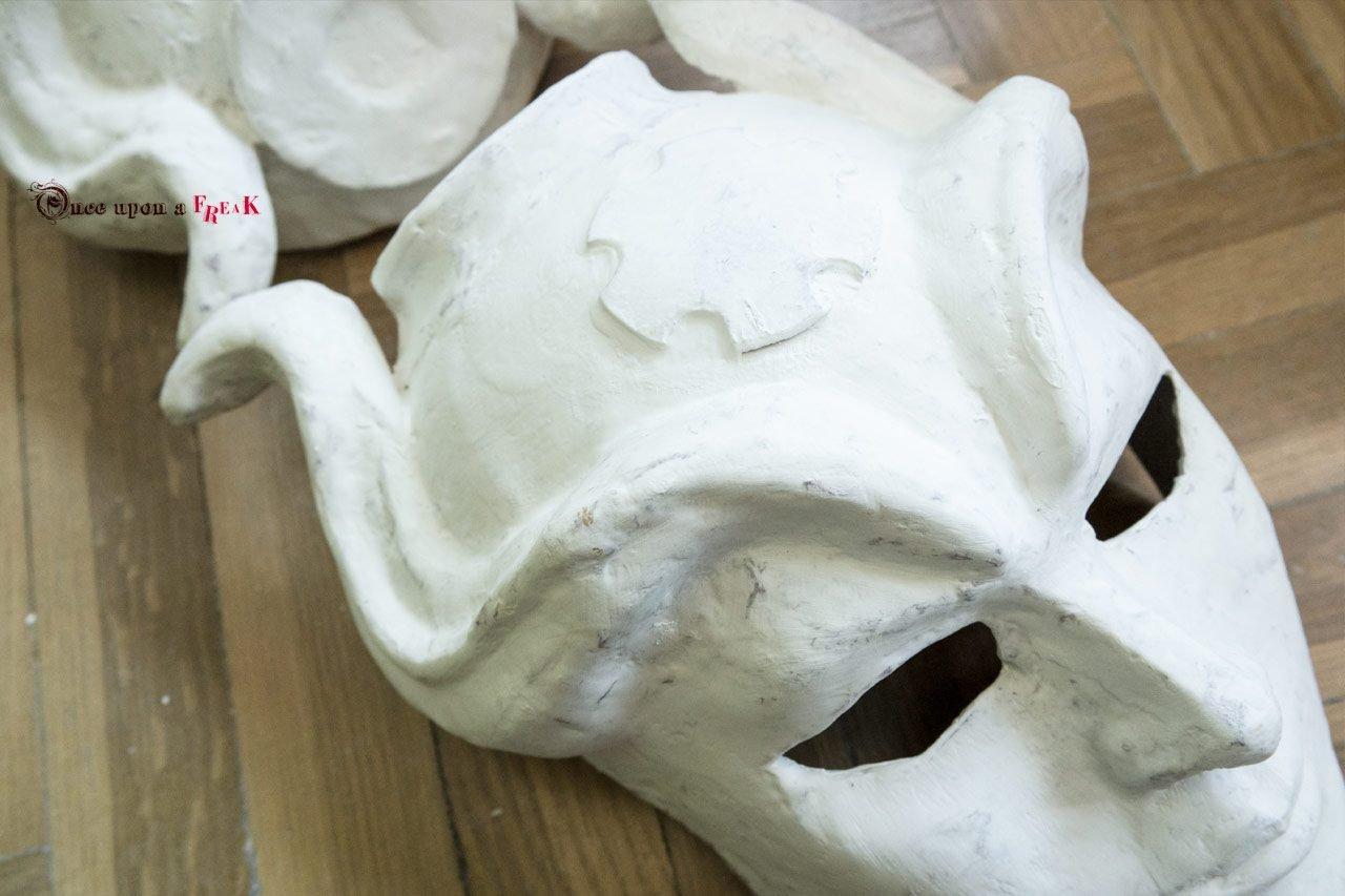 mascara en blanco